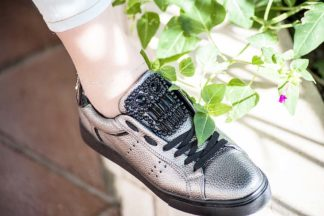 Sneakers stringate da donna con pietre