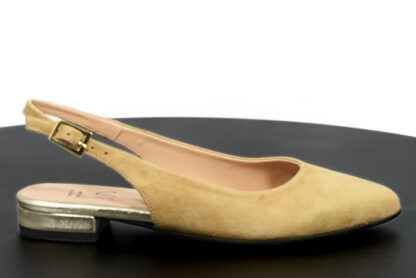 Sandalo basso in vera pelle a punta