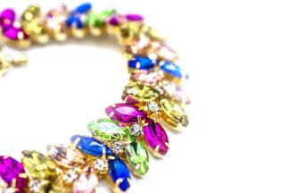 Bracciale con petali arcobaleno
