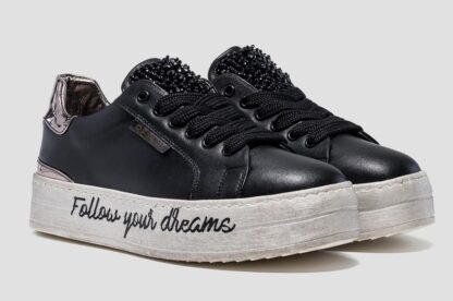 sneakers replay